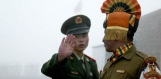 An Indian and Chinese soldier