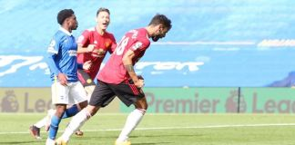 Bruno Fernandes scored a late penalty as Manchester United beat Brighton at the Amex Stadium