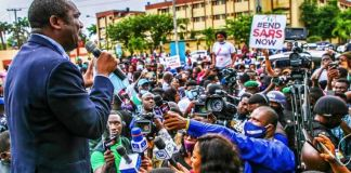Lagos State Deputy Governor, Dr. Obafemi Hamzat, addressing #EndSARS protesters who besieged the State House at Alausa, Ikeja, on Friday, October 9, 2020