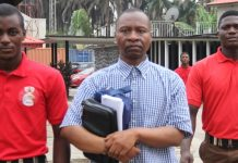 EFCC Operatives taking Ayodeju Ibrahim Oluokun to Court