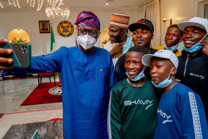 Sanwo Olu meets with Ikorodu Bois