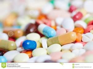 stapel-van-pillen-en-medicijn-31266053