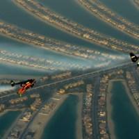 Ο Jetman πετά πάνω από το Dubai