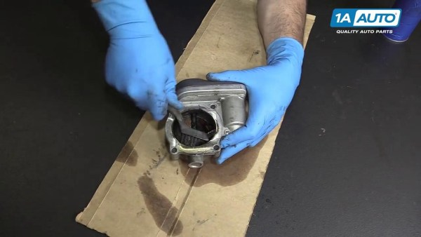The Guide to Clean Throttle Body on 05-10 Chrysler 300