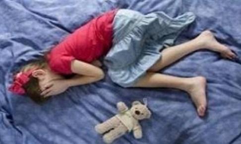 اعتقال أب داوم على إغتصاب بناته الثلاث لمدة 3 سنوات