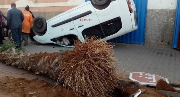 بيوكرى: نجاة ركاب سيارة اجرة من الموت في حادثة سير خطيرة+ صور