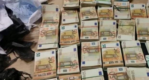 اكادير: توقيف فرنسي بالمطار وبحوزته الآف من الأورو