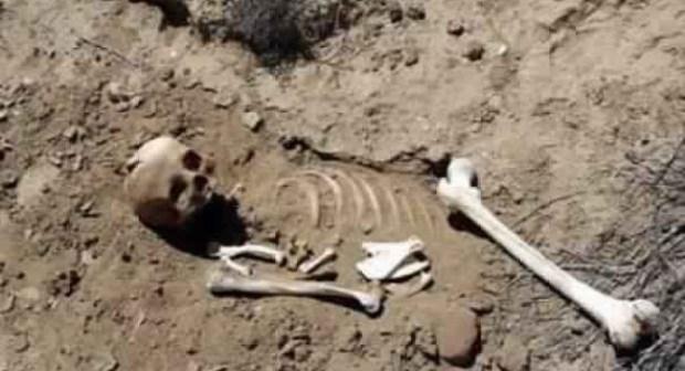 العثور على هيكل عظمي لإمرأة داخل منزل توفي صاحبه قبل يومين
