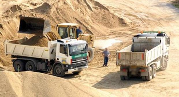 رفض تجديد ترخيص الإستغلال لشركات مقالع الرمال بسبب خروقات بيئية