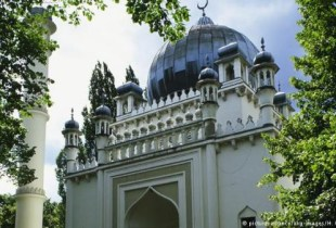 بعد إغلاقه من أجل الترميم.. إعادة افتتاح أقدم مسجد في ألمانيا