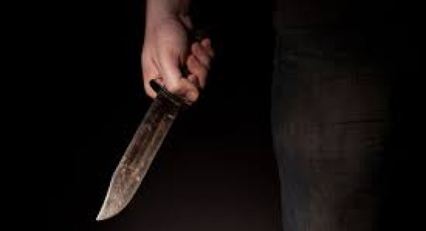 متشرد يرسل امام مسجد الى المستعجلات بعد الاعتداء عليه بالسلاح الابيض