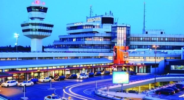 لعبة جنسية تتسبب في إغلاق مطار دولي