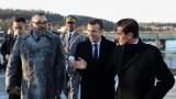 """بالفيديو..الملك والرئيس الفرنسي يستقلان القطار فائق السرعة """"البراق"""""""