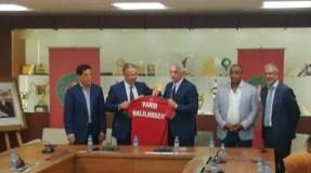 رسميا: الإعلان عن المدرب الجديد للفريق الوطني المغربي و هذا هو راتبه