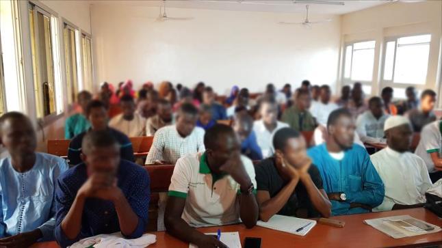 هل استقدمت وزارة التربية الوطنية أساتذة جدد من السنغال؟