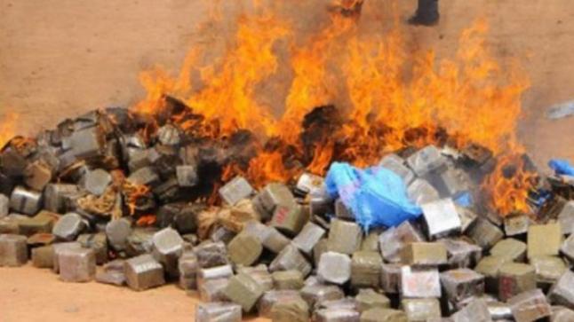 أكادير : إتلاف كمية كبيرة من المخدرات والمشروبات الكحولية