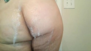 Big ass shower and anal