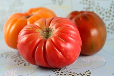 heirloom_tomatos_1S.jpg