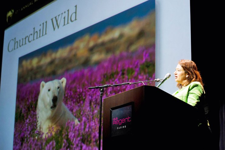 Melanie Swenarchuk, Senior Business Director at Churchill Wild, accepts 2015 Sustainable Tourism Award.