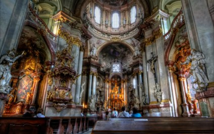 21 Mesmerizing Photos of the World's Most Beautiful Churches