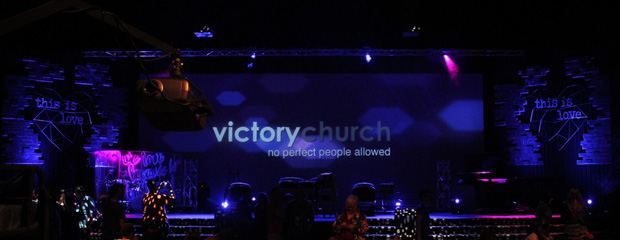 Love Breakthrough Church Stage Design Ideas