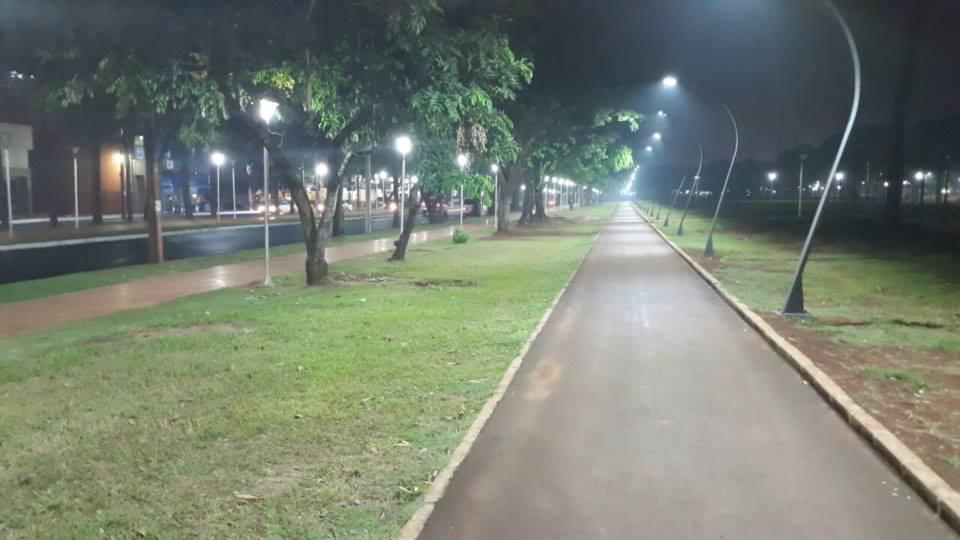 Calles transformadas con la nueva iluminación y las obras municipales de la administración Sandra Zacarias en CDE.