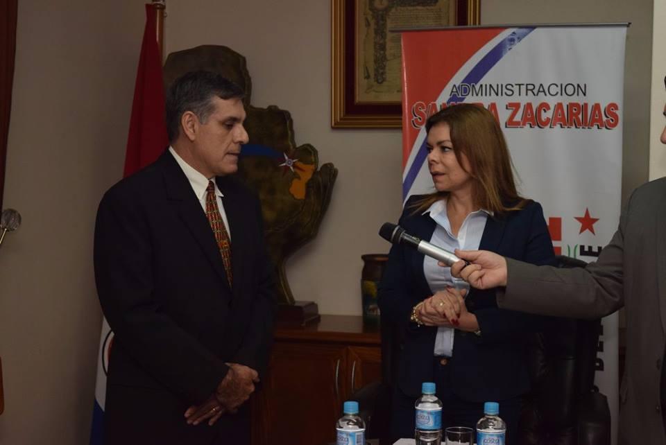 Cambio de director de Tránsito en CDE. El comisario retirado Silverio Mendez reemplaza a Florenciañez.