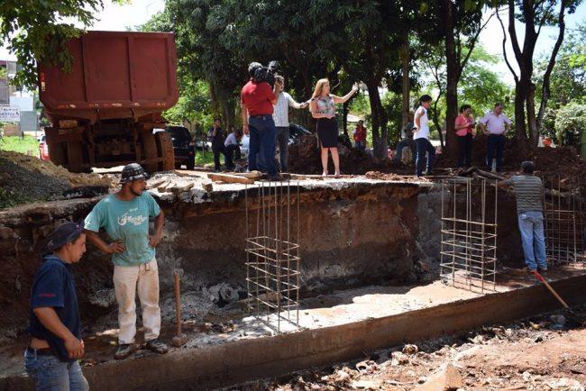 Sandra Zacarías verificó obras en Remancito y otras zonas de CDE.