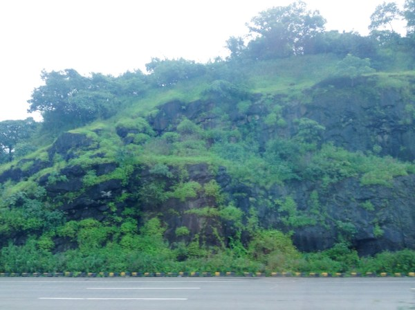 Road to Pune