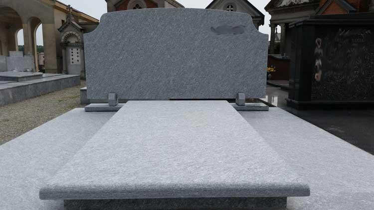 Vendita e fornitura Tombe in pietra di Luserna o Serizzo
