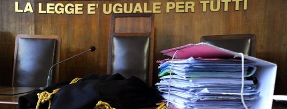 'Ndrangheta, voti e appalti: 7 condanne e 7 assoluzioni a Locri
