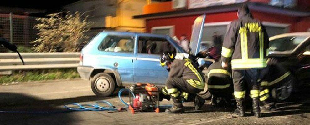 Scontro frontale sulla S.S. 106 a Locri, 5 feriti