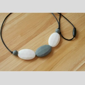 The 'Dakota' (Grey and White) Chewy Necklace
