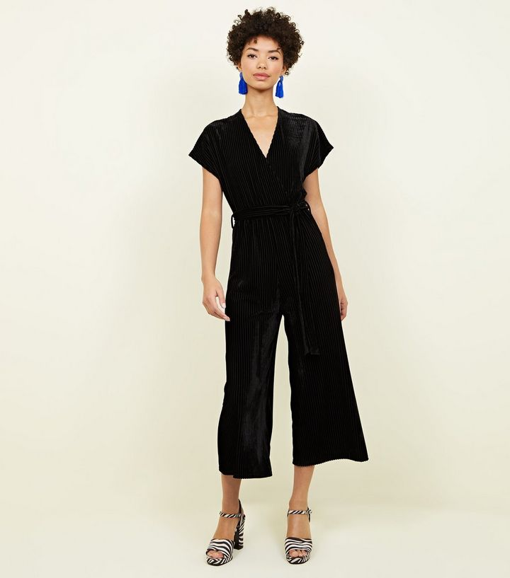 black-ribbed-velvet-wrap-culotte-jumpsuit (1)