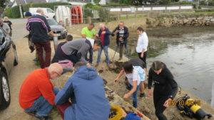Récupération de fils et plombs de pêche à Port Niscop (56)
