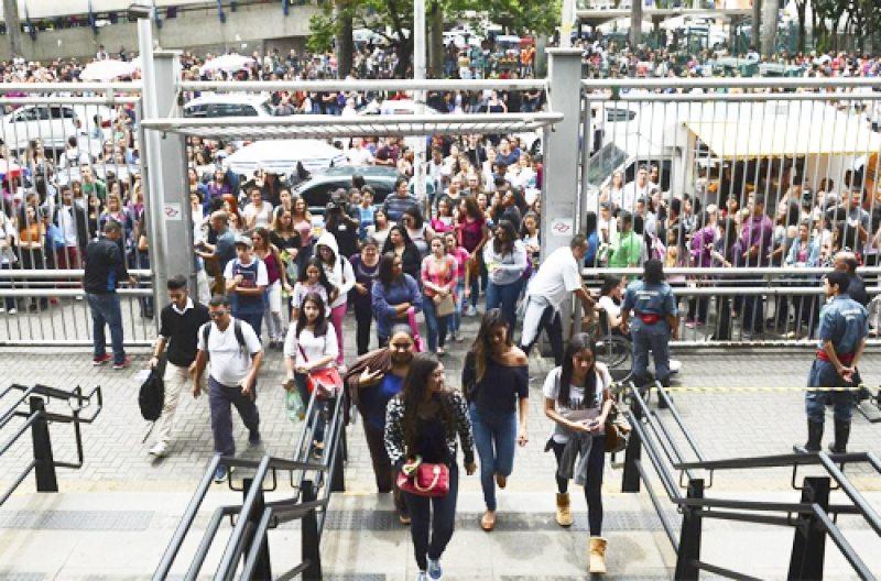 Inep aprova mais de 3 milhões e 300 mil pedidos de isenção da taxa de inscrição do Enem