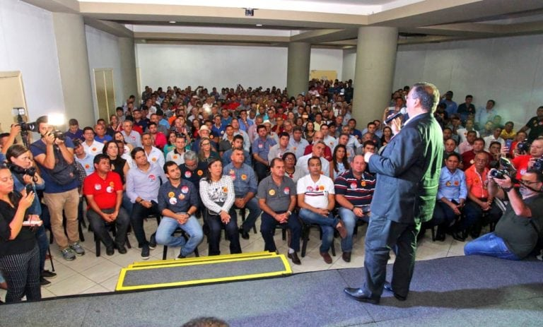 Reunião com 190 prefeitos consolida apoios à reeleição de Dino