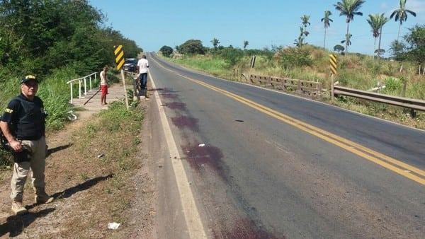 Colisão entre duas motos deixa uma pessoa morta na BR-135