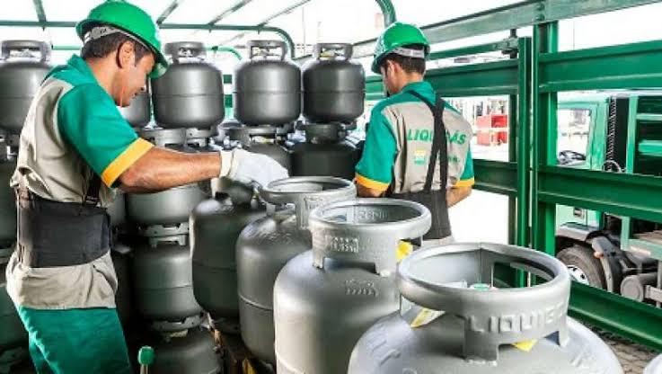 Petrobras anuncia alta de 4% no gás de cozinha