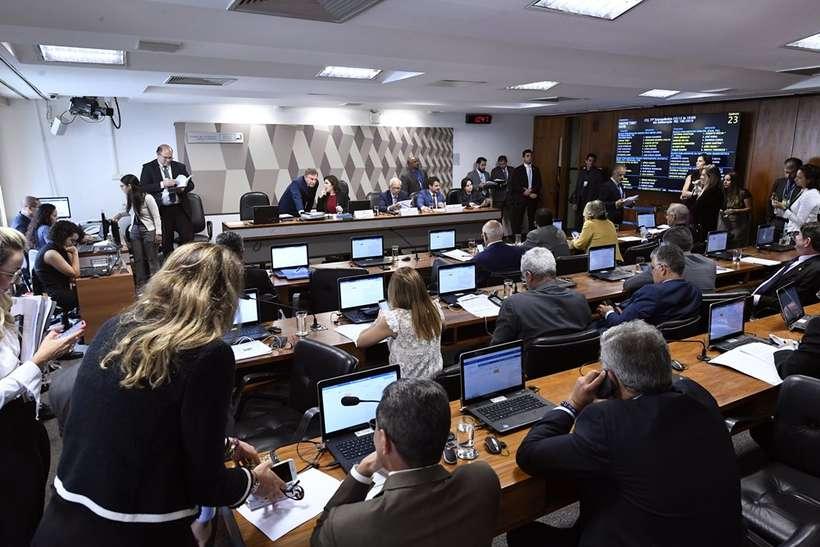 CCJ do Senado aprova PL a favor de prisão em segunda instância
