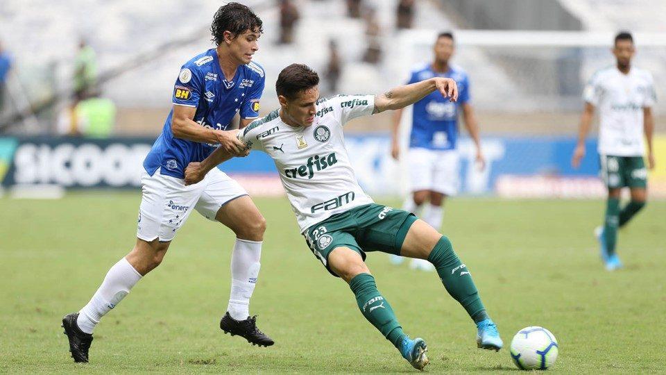 Palmeiras vence e decreta queda Cruzeiro em jogo interrompido por confusão