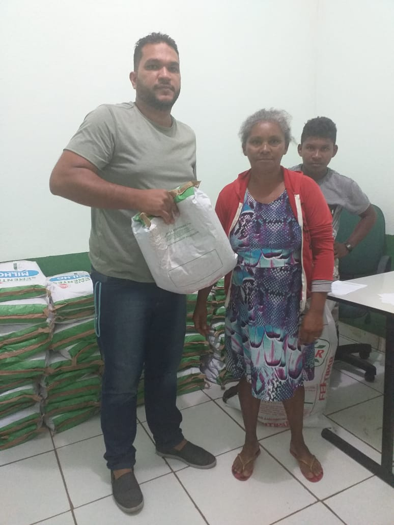 Secretaria de Agricultura inicia a entrega de sementes aos pequenos agricultores de Nova Olinda do Maranhão