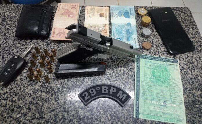 Após abordagem, homem com mandado de prisão em aberto é preso em Nova Olinda, com CNH e pistola com numeração raspada