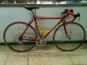 Bicicleta ruta Ocasión Pinarello Retro, Campa 9v. 250 €