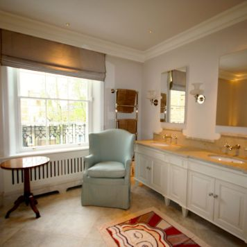Traditional hand-made Bathroom Cabinets Knightsbridge