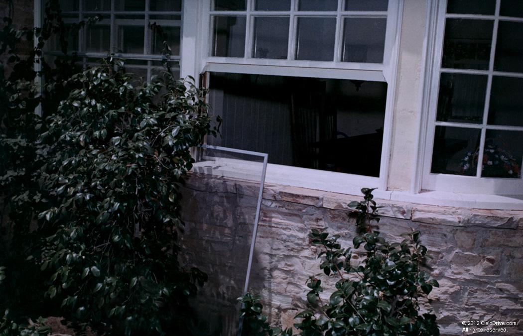 10050 Cielo Drive Crime Scene - Modern Home Interior Design