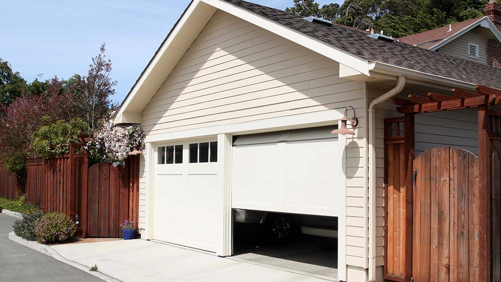 Learn how to cool a hot and windowless garage.