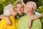 Mientras más visites y compartas con tus padres más expectativa de vida tienen