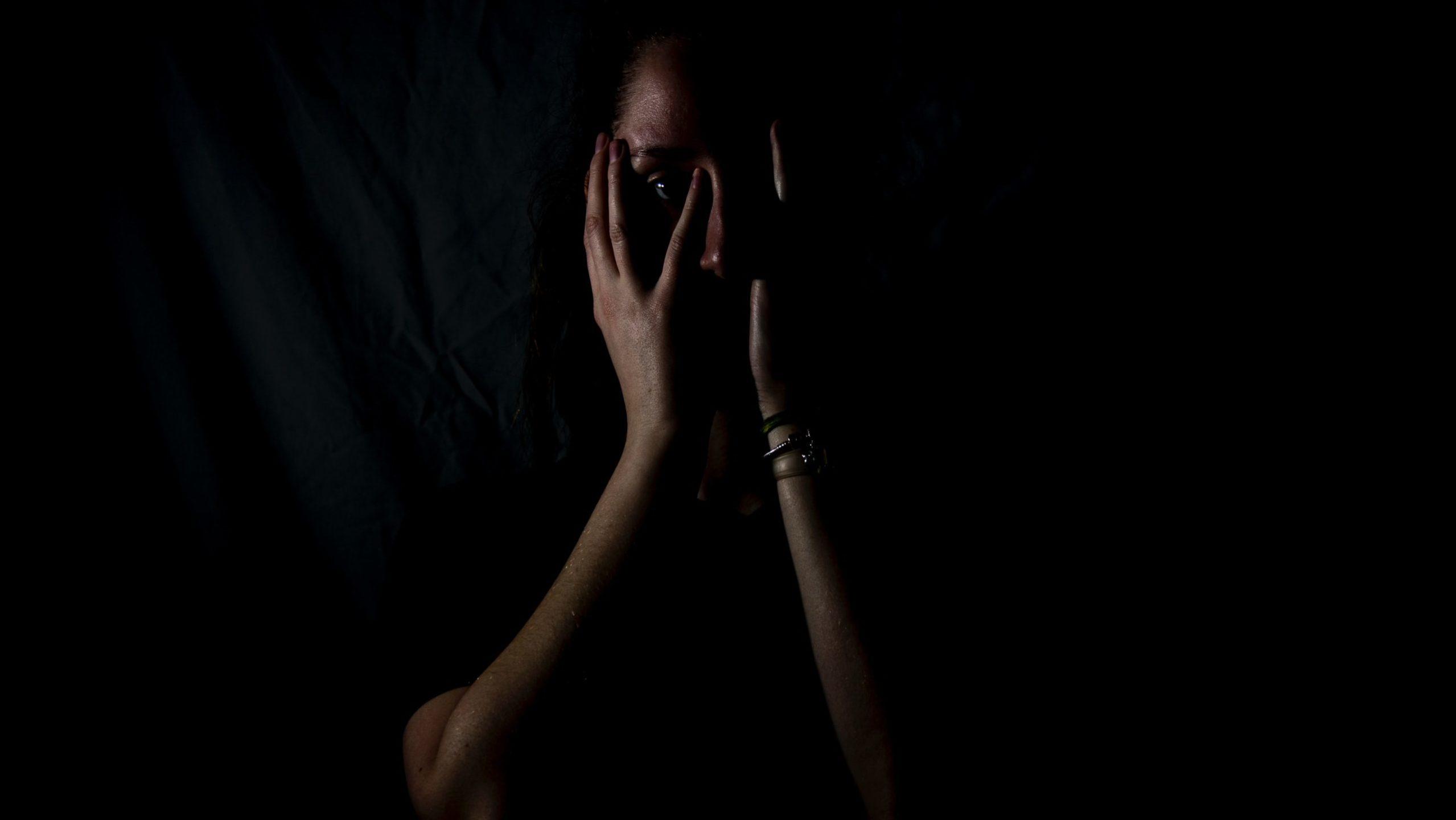 Homens que praticam violência contra a mulher podem se ver como vítima de conflito