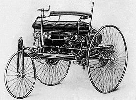 El primer Motorwagen Benz (todavía sin el Mercedes ).